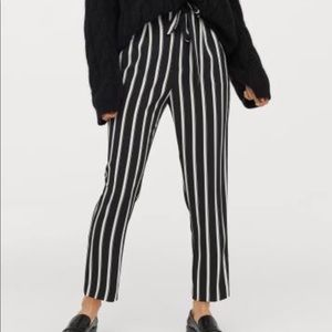 New H&M black white striped Paper Bag Pants Sz 8